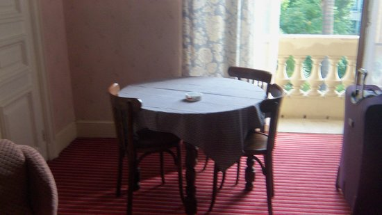 Hotel Imperial: A small table in the room that didn't serve much purpose for us