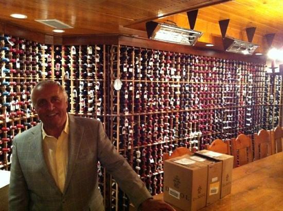 Post Hotel & Spa: wine cellar