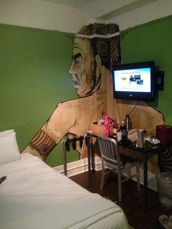 Hotel des Arts : the green room