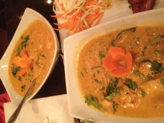 Tandoor Fine Indian Cuisine : Paneer Makhani and Chicken Xacutti