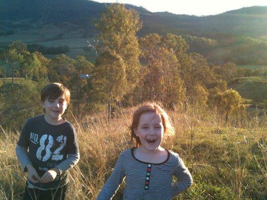 Kerry, Australien: kids running free
