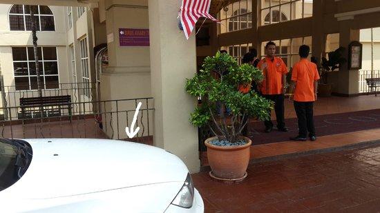 Corus Paradise resort: my dented car at the main lobby