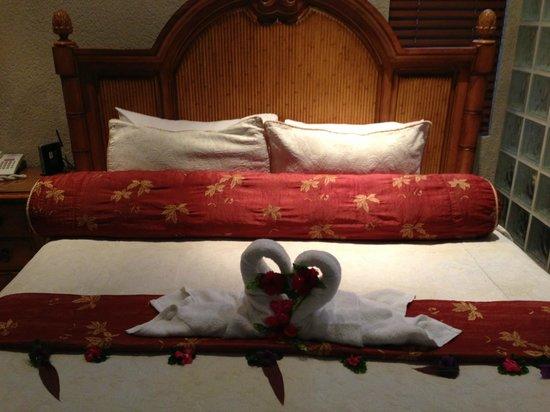 Parrot Tree Beach Resort: Bed