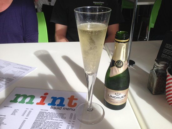 Mint Cafe and Bar: Classic Champagne flute