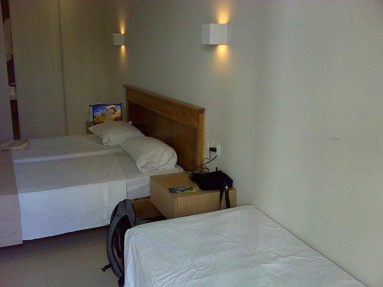 Hotel Dimitrios Beach: Номер 212 внутри
