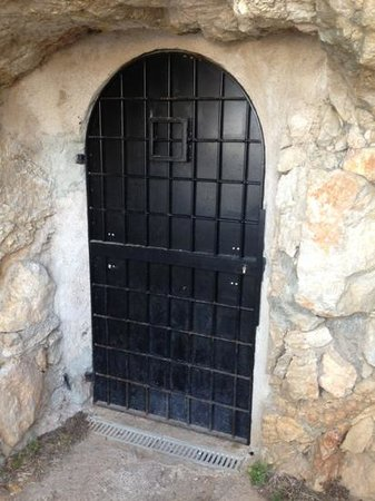 Perfect San Miguel Beach Club: Cave Door
