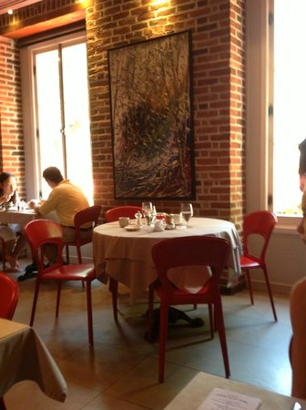 Auberge Place D'Armes: Dining Room