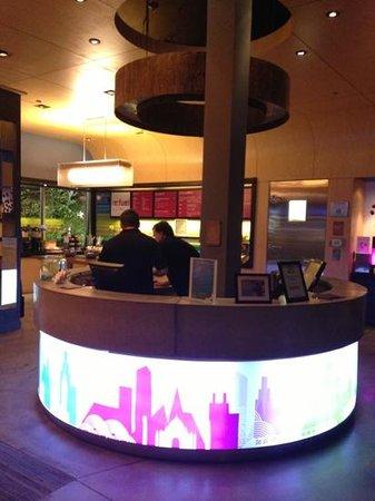 Aloft Green Bay: front desk
