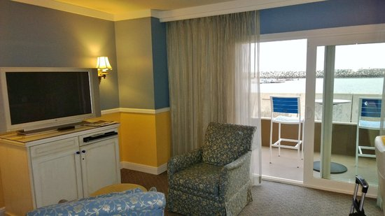 The Portofino Hotel & Marina, A Noble House Hotel: The Room With Big TV and The Pacific Ocean