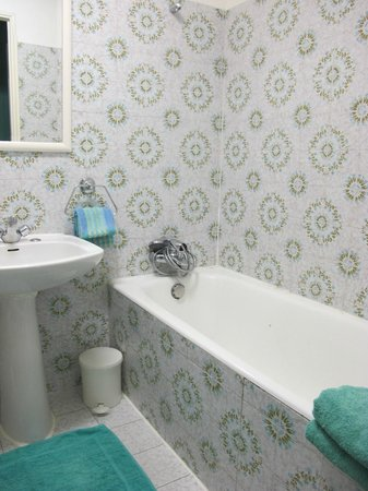Hotel le Prieure: Bathroom