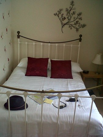 Kings Lodge: Lovely Double bed! :)