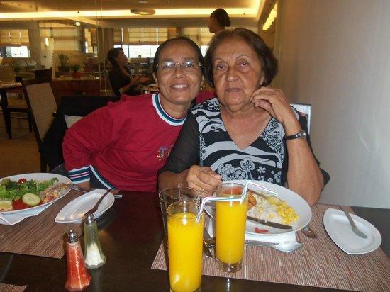 Novotel Lisboa: Eu e a minha mãe jantando.