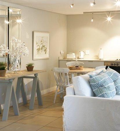 Lexden Luxury Suites: Plumbago Suite