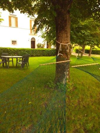 Villa Castoriana: relax in giardino