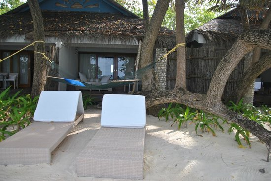 Vivanta by Taj Coral Reef Maldives: back view of the room