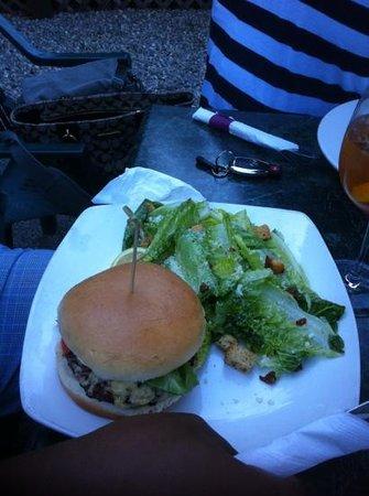 Ginger & Spice Bistro: gourmet burger & Cesar salad