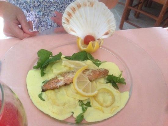 La Mesa Caprichosa: Saumon sur son lit de tortelli