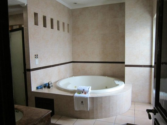 Hotel Morales Historical & Colonial Downtown Core: Imperial Jacuzzi Suite