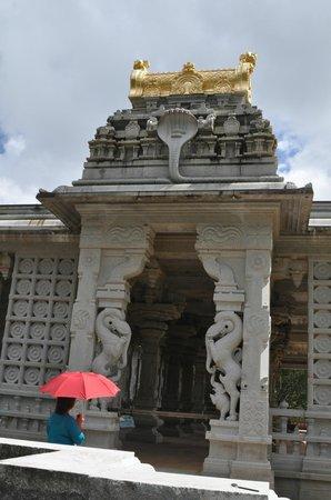 Kauai's Hindu Monastery: Temple at Hindu Monastery in Kauai