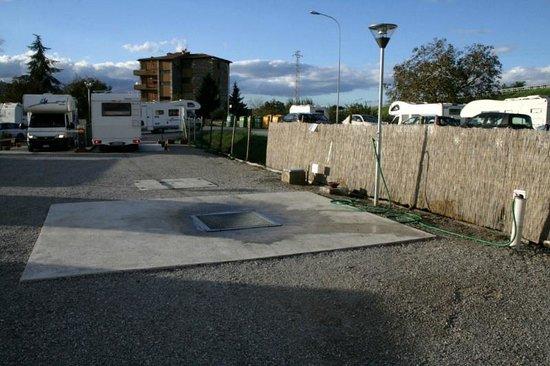 Rapolano Terme, Italia: Area di sosta le terme