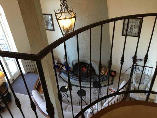 Villa Howden: The gorgeous staircase