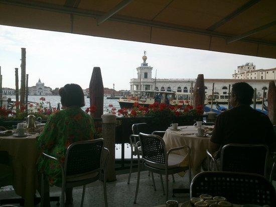 Palazzo Selvadego: La zona colazione!!!!