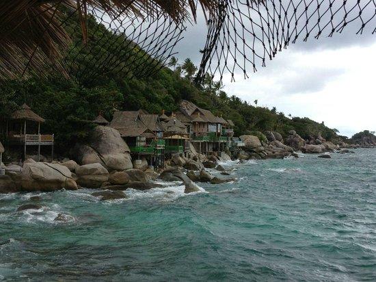 Charm Churee Villa: Blick auf die Bucht mit den Bamboohuts