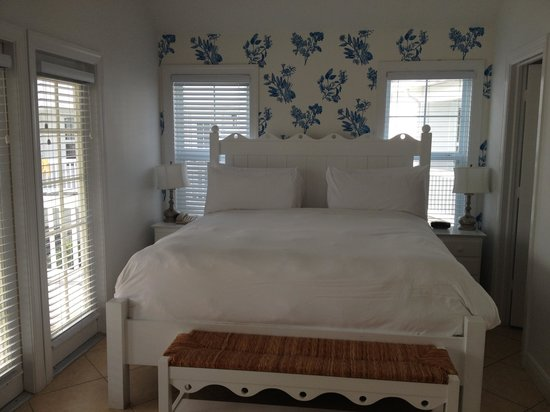 Tranquility Bay Beach House Resort: Master Besdroom - Beautiful