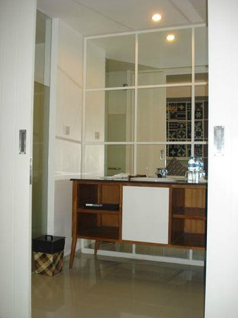 Astana Pengembak Suite Apartment & Villa: Bathroom (entrance)