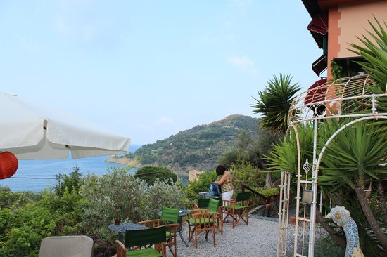 Hotel Villa Belvedere : la vue depuis le jardin de l'hôtel