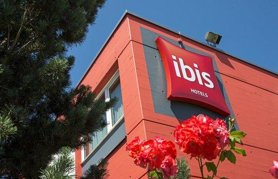 ibis 3 Lacs Neuchatel : HOTEL