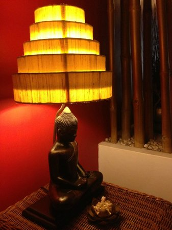 Villa Medamrei: I wish I could buy this lamp