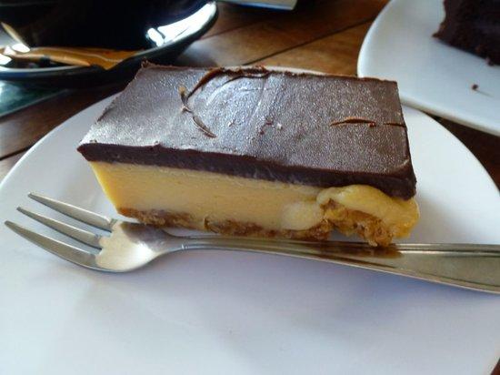 Cafe Jireh : yummy caramel slice