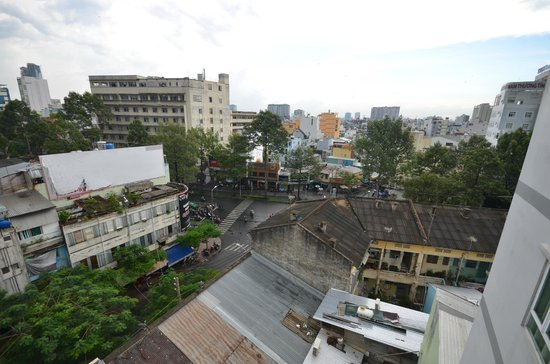 DDA Hotel District 1 (BIZU): view from room corridor window