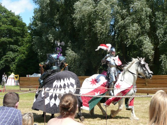 jousting day picture of arundel castle and gardens arundel