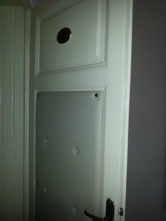 Hotel La Pace: Porta della camera