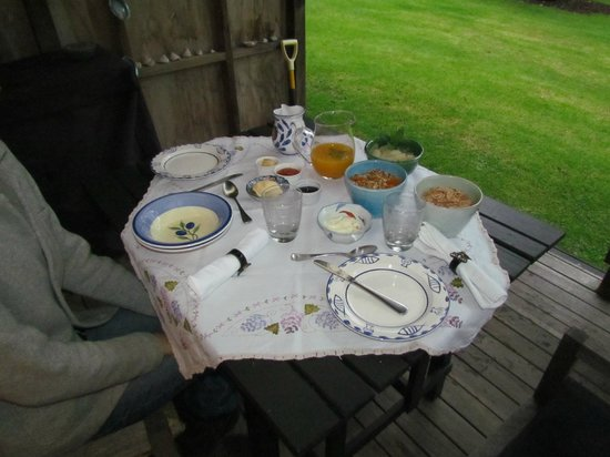 Mercury Orchard Accommodation: Breakfast