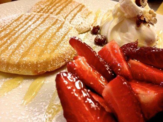 Pappa Reale : Mascarpone and strawberry pancakes