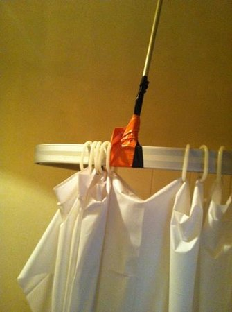 White Hart Hotel: tape holding shower curtain up