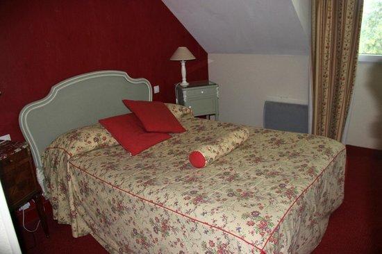 hotel LA COUR CARREE : la chambre