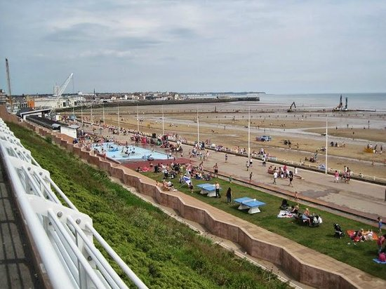The Royal Bridlington: Very near to the Hotel