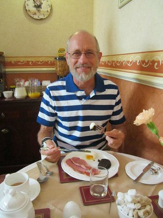 Beverley Guest House: Enjoying our English breakfast