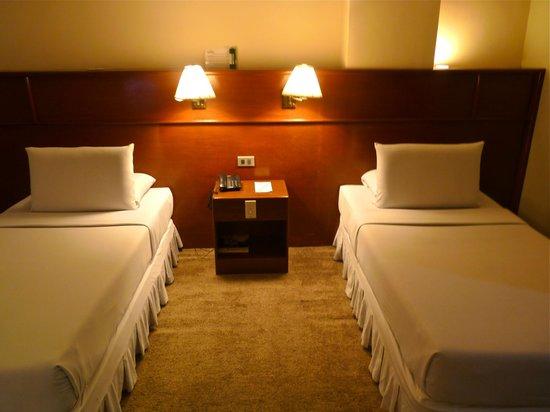 Grand Menseng Hotel: Twin beds