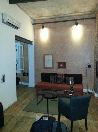Serdar-i Ekrem 59: Living room Space in Studio Flat