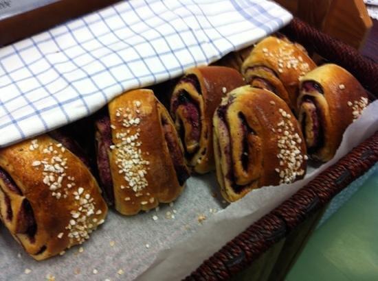 Nestori: finnish buns, loooovely with coffee!