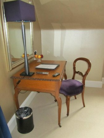 The Torridon: Writing desk in room 12