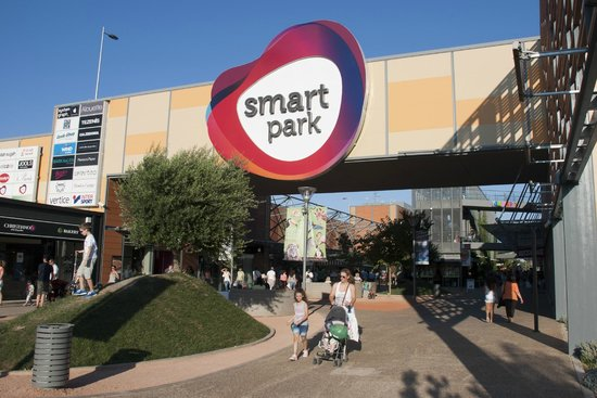 Σπάτα, Ελλάδα: Smart Park entrance