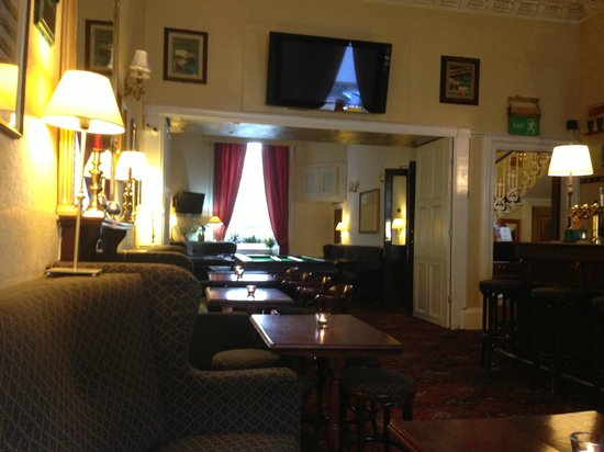 Edinburgh Thistle Hotel : Bar and breakfast room