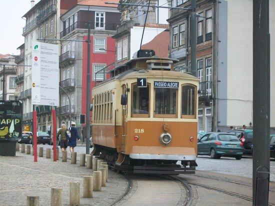 Hotel Boa Vista : Straßenbahn Linie 1 - direkt in die Innenstadt