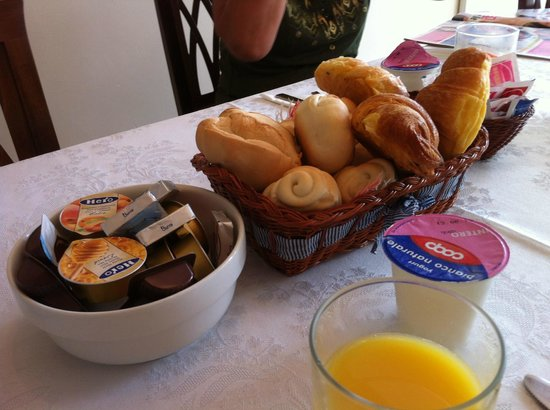 Bed and Breakfast A Le Boteghe: Nice breakfast II